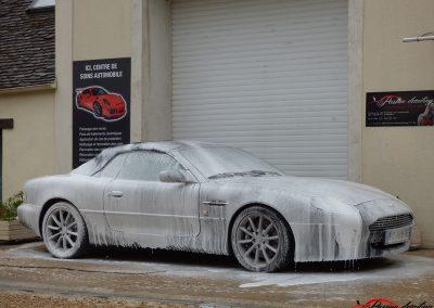 Aston Martin DB7 Volante lavage complet et correction des microrayures traitement longue durée client d'Alsace