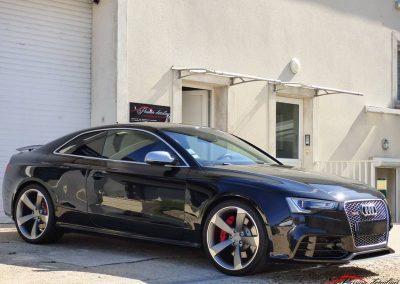 vue de côté Audi Rs5 Poli lustré suppression de l'effet peau orange traitement céramique client de Evry 91