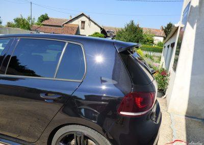 Volkswagen GOLF R Résultat final après préparation esthétique Melun 77