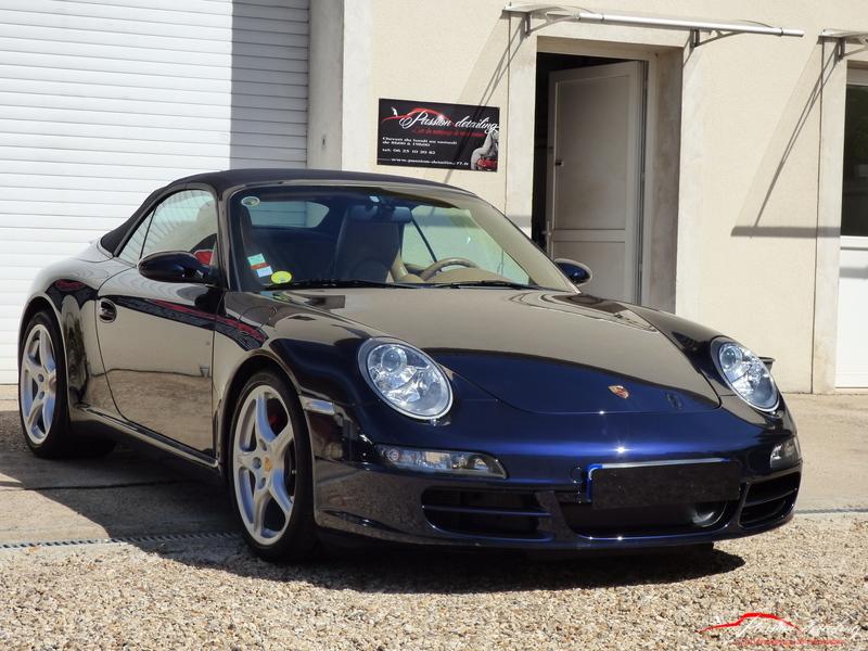 Porsche 997 cabriolet bleue
